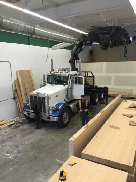 Photo Credit: Jeff | Jeff using our 422 Hiab to complete a specialty job for one of our clients.